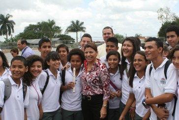 PRESIDENTA LAURA CHINCHILLA INAUGURA OBRAS DEL COLEGIO SANTÍSIMA TRINIDAD