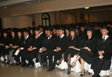 Universidad San José graduó 109 profesionales