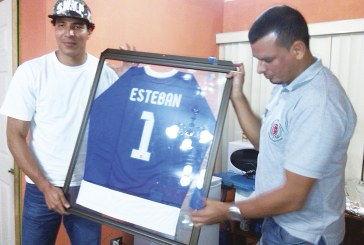 ESTEBAN ALVARADO BROWN: «YO QUISIERA INSTAR A LA JUVENTUD A SOÑAR»