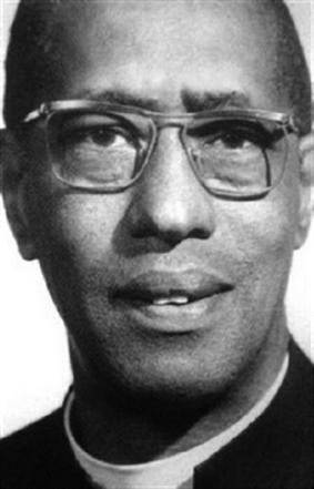 Padre Roberto Evans: El gran líder del cantón de Siquirres