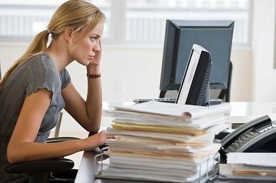 Normativa vigente es insuficiente para eliminar discriminación laboral contra mujeres.