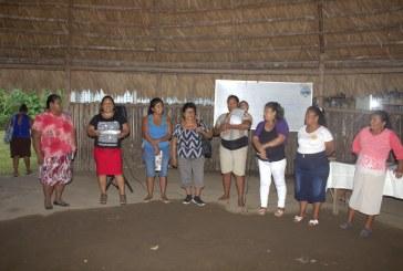 Acumuita, mujeres de chocolate en Talamanca.
