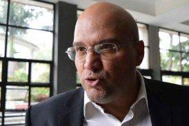"""Diputado Edgardo Araya presenta proyecto para que """"imposibilidad de vida común"""" sea causal de divorcio."""