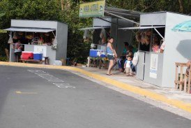 Municipalidad de Siquirres instala quioscos en el C.A.I.S.