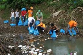 Organizan jornada de limpieza en río Guápiles