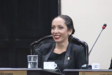 Carolina Hidalgo llega a la presidencia del Congreso