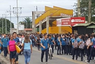 Estudiantes del CTPP paralizan colegio en protesta