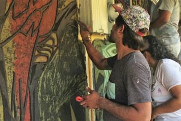 UCR Recinto Guápiles imparte taller de muralismo a artistas de la región