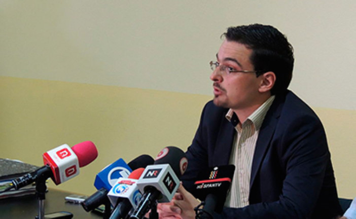 Diputado Villalta demanda a Banco Central por inacción contra cobro abusivo por uso de datáfono
