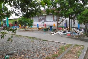 Vecinos de Bataán se quejan de la basura en las calles