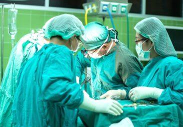 Proyecto propone que el Ministerio de Salud pueda autorizar la contratación de médicos extranjeros en casos de riesgo a la salud pública