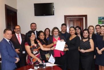 Diputada de Limón propone ley para crear Colegio de Estilistas