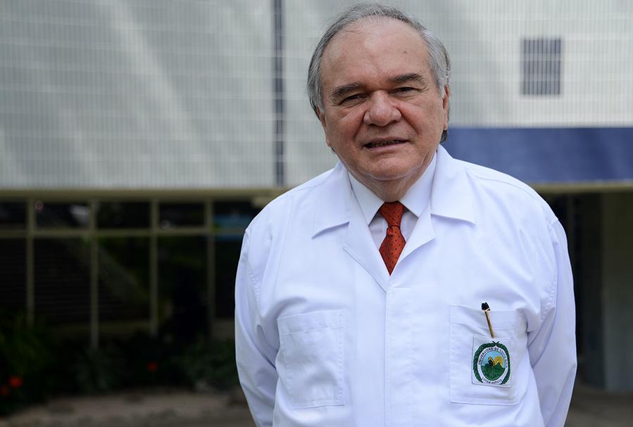 Decano de Medicina de la UCR coloca sobre el tapete problemática del envejecimiento en Costa Rica.