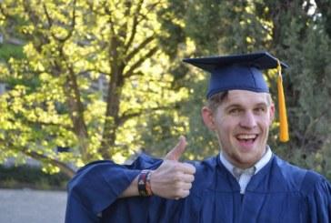 Correos de Costa Rica entrega más de 3500 títulos a estudiantes universitarios