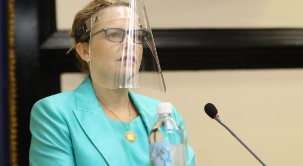 Plenario decide mantener en el cargo a Defensora de los Habitantes, Catalina Crespo