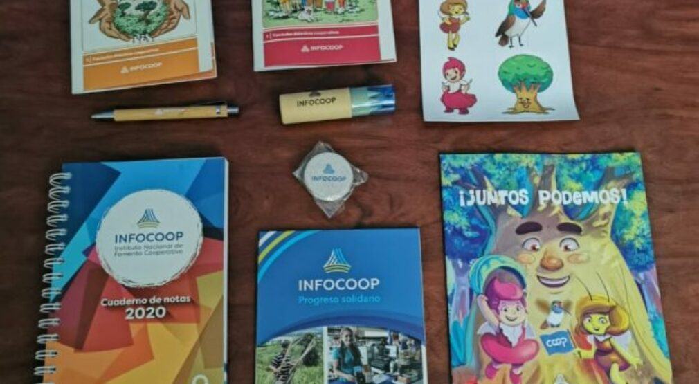 INFOCOOP apoya a escuelas de bajos recursos con material didáctico cooperativo