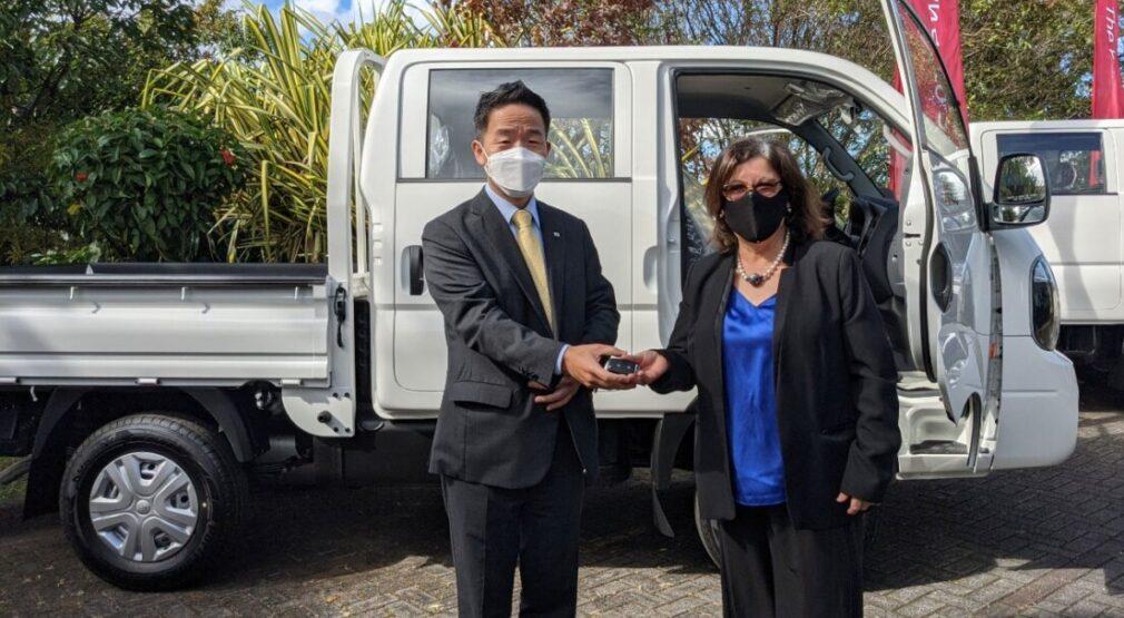 Gobierno Coreano dona vehículos a AyA