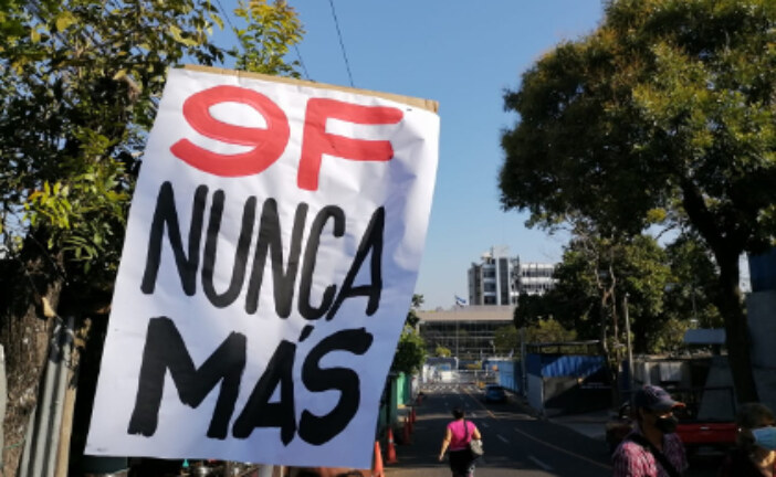 En El Salvador: Organizaciones sociales recuerdan con repudio 1 año de intento de Golpe de Estado de Nayib Bukele.