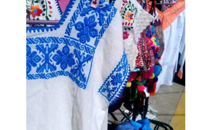 En México: Pocas ventas preocupan a bordadoras y artesanas.