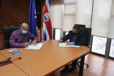 Infocoop y municipalidad de Montes de Oro firman convenio de cooperación