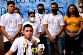 En Nicaragua: Jóvenes opositores recogen firmas para demandar reformas electorales que garanticen transparencia.