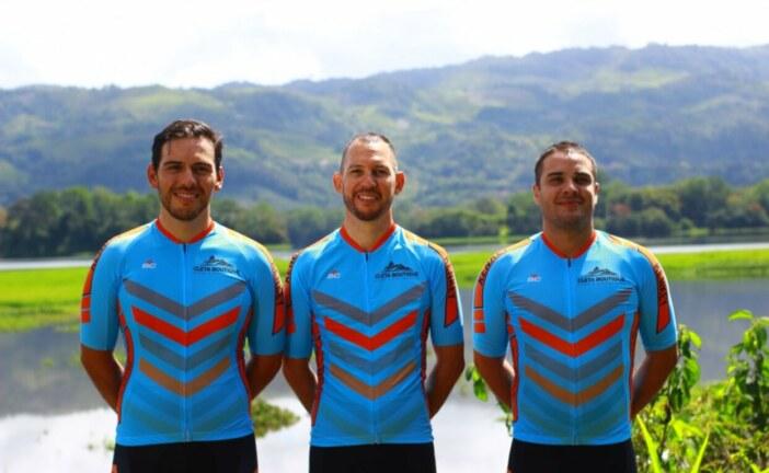 """Nuevo equipo de ciclismo, """"Multi Kenkey"""", presenta sus pedalistas"""