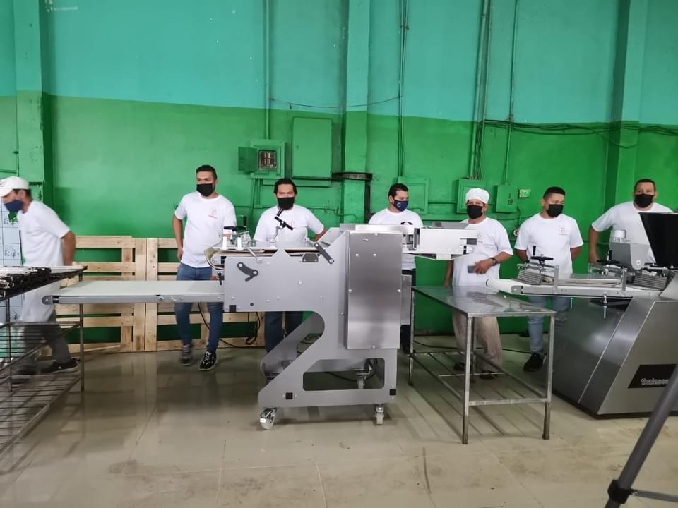 Cooperativa dedicada a la venta de pan  y liderada por mujeres recibe modernos equipos para fortalecer su negocio