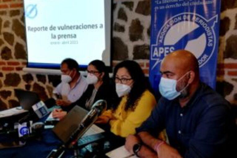 En El Salvador: Denuncian escalada de agresiones hacia la prensa nacional
