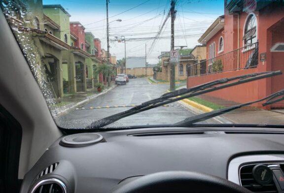 Expertos hacen llamado a extremar medidas de  prevención en carretera por fuertes lluvias